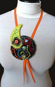 Collier-textile--1-