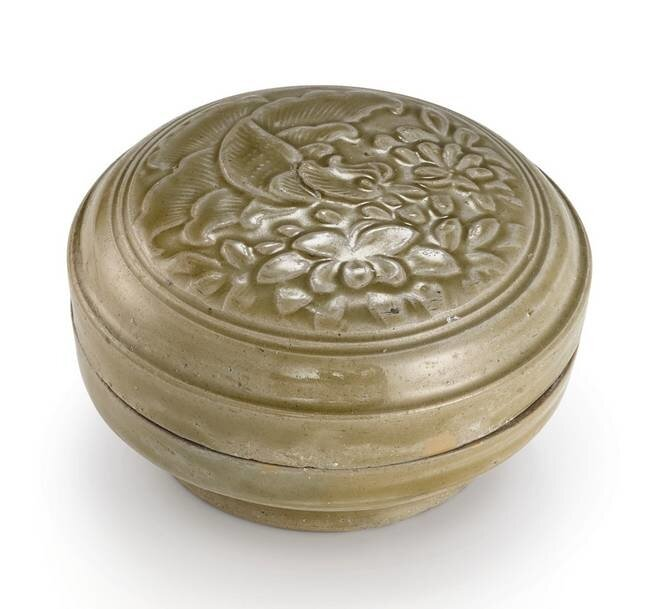 A__Yue__celadon_glazed_box_and_cover__Northern_Song_dynasty
