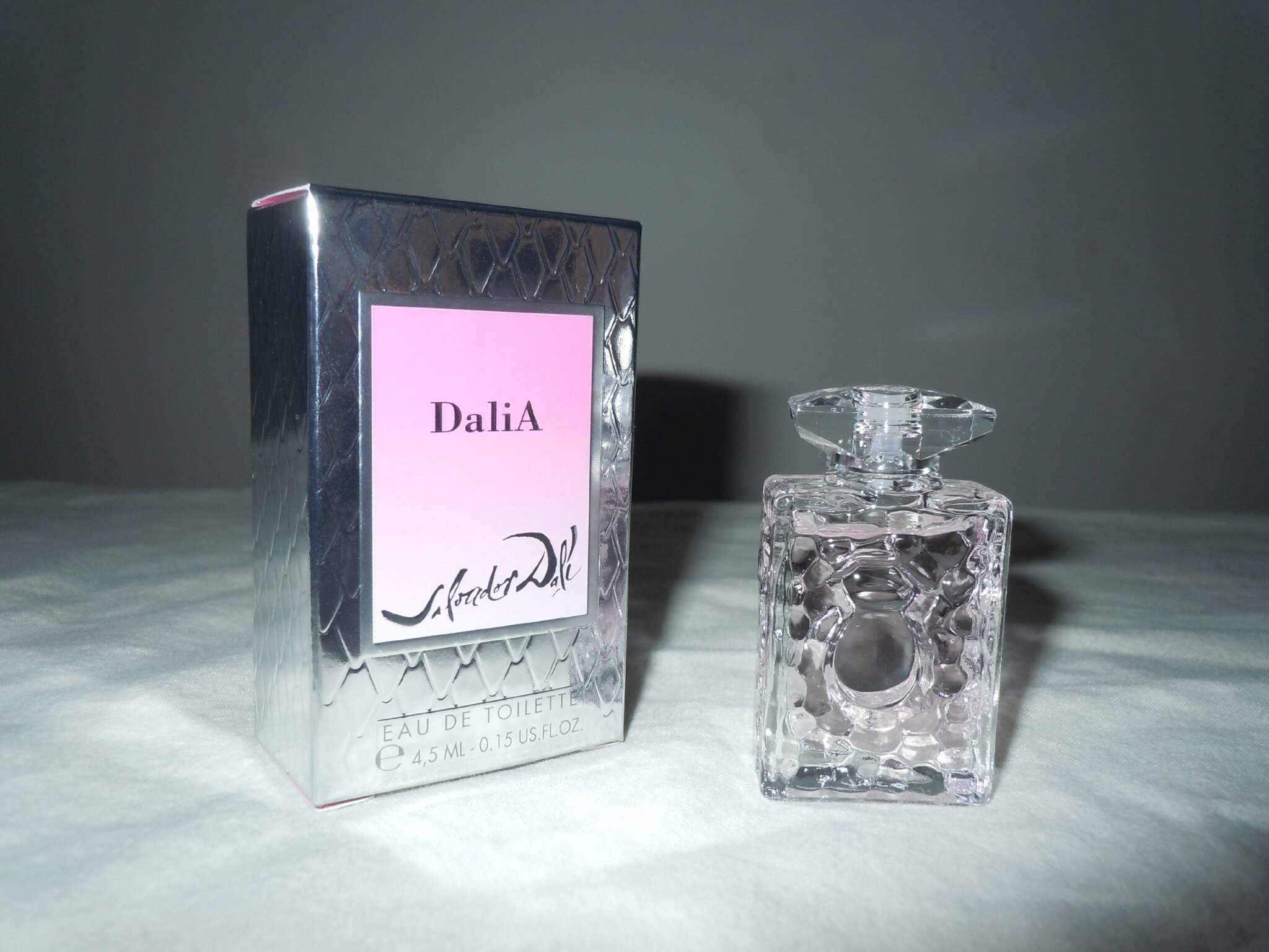 DALI-DALIA