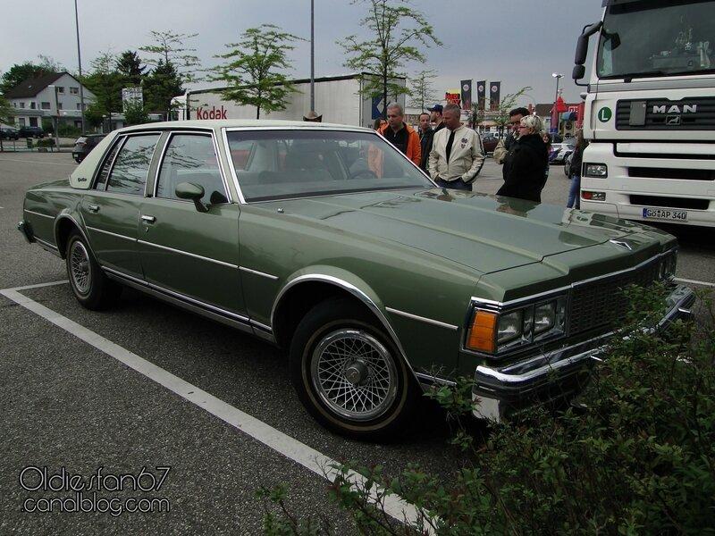 chevrolet-caprice-classic-sedan-1979-01