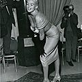 jayne-1957-11-08-rome-press_conference-1