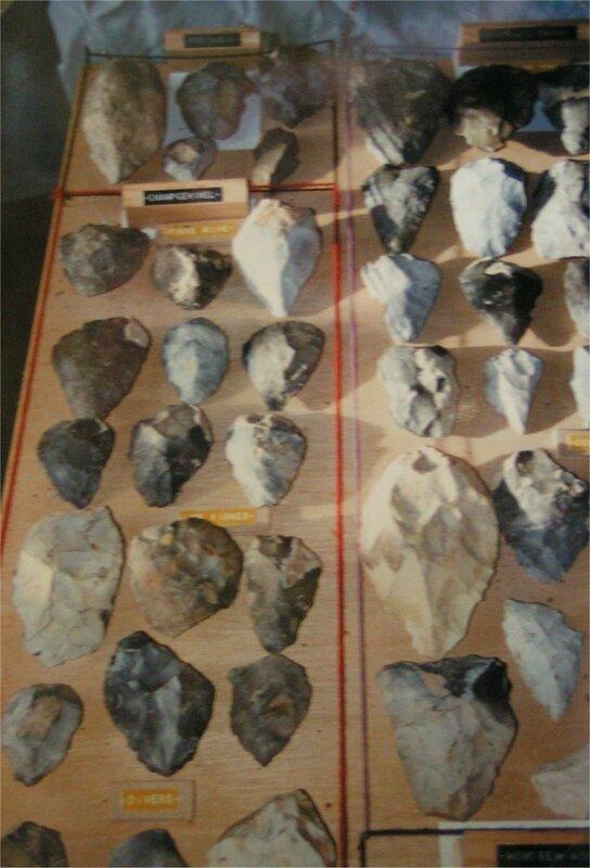 bifaces et pointes moustériennes trouvés à Périgueux, Fosse Rouge et aux Vignes