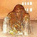 Les bienfaits du fétiche protecteur de la maison: le legbâ domestique au couvent du vrai marabout