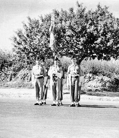12_RCA_PFEIL_porte__drapeau_14_07_1954
