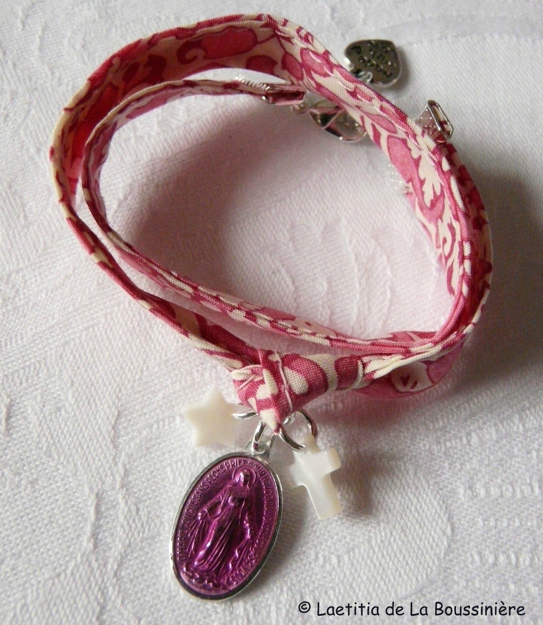 Bracelet Notre-Dame du Rosaire (sur ruban Lagos fushia)