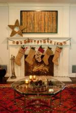decoration-de-noel-cheminee-table-verre-bougies-tapis-guirlande