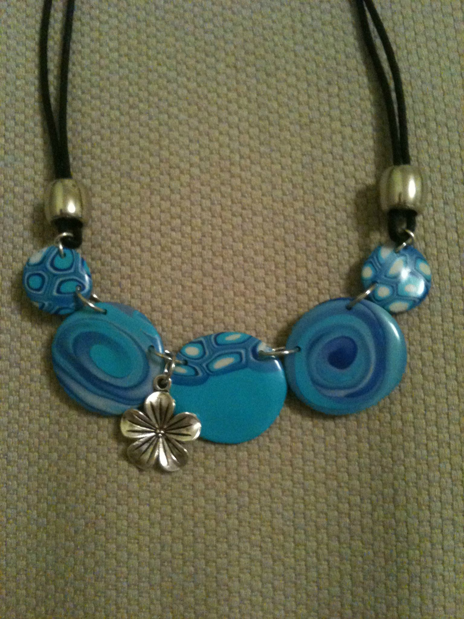 Collier 27