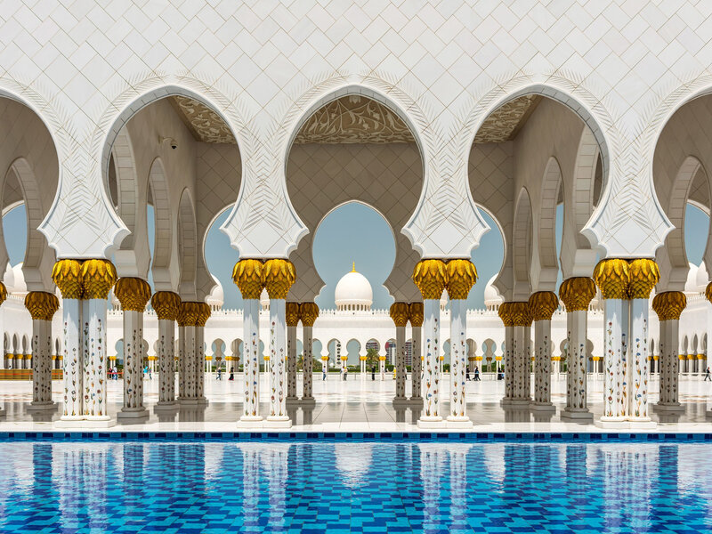 Abu-Dhabi-Sheikh-Zayed-Grand-Mosque-GettyImages-491672061
