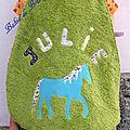Bavoir 7 ans cheval bleu pour Julie