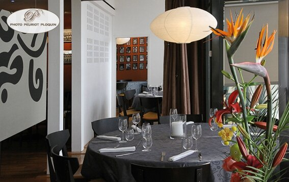 AGEN_LA_TABLE_dARMANDIE_de_Michel_Dussau_salons_prives_du_restaurant