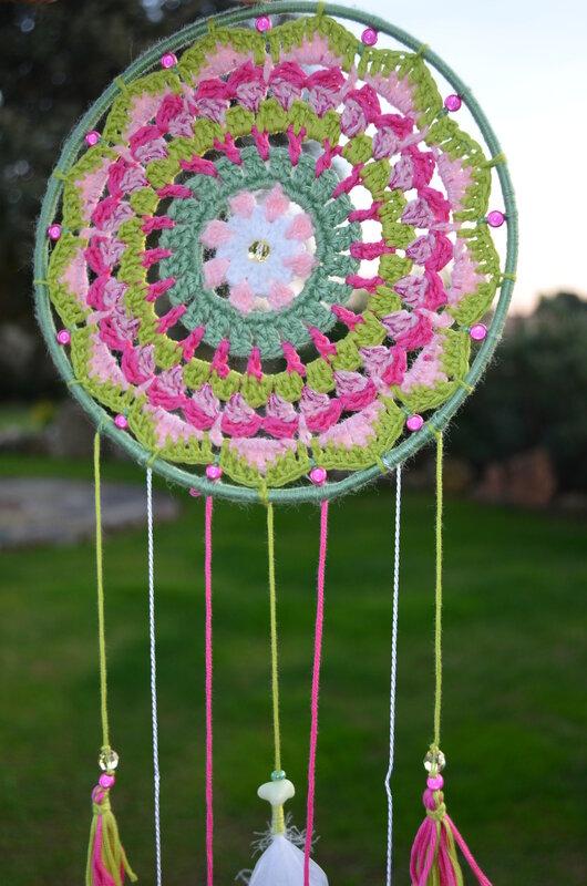 Attrape_r_ves__mandala__crochet__Laine__La_chouette_bricole