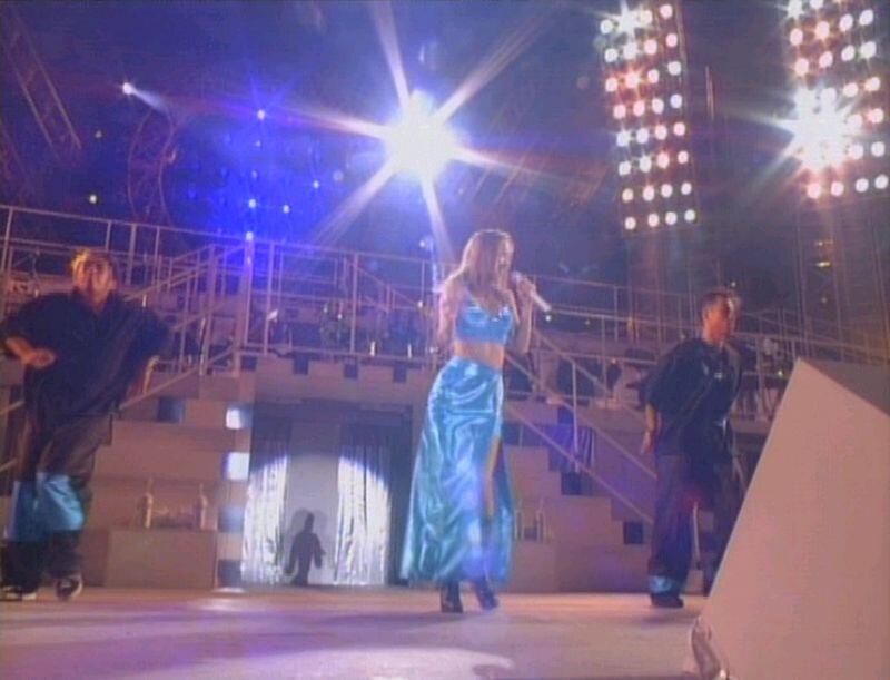 Canalblog JPop Namie Amuro Live1996 018