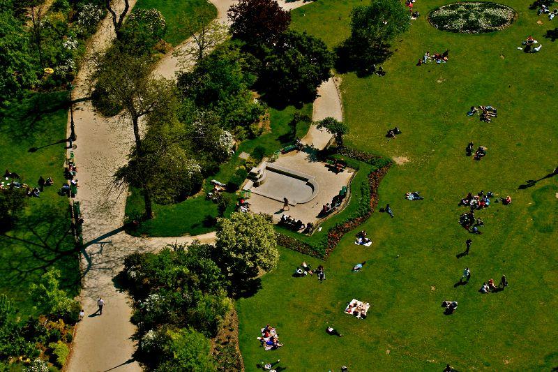 Le Champs de Mars depuis le sommet de la tour Eiffel.