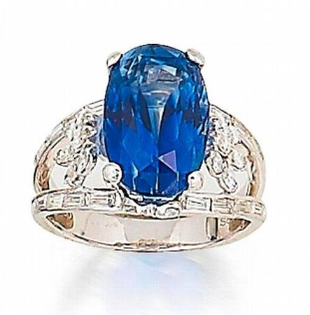 A_sapphire_and_diamond_ring2