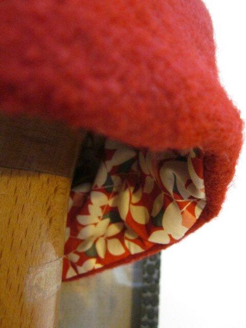 Chapeau Agathe en laine bouillie rouge avec fleur - doublure coton rouge imrpimé - taille 54 (1)