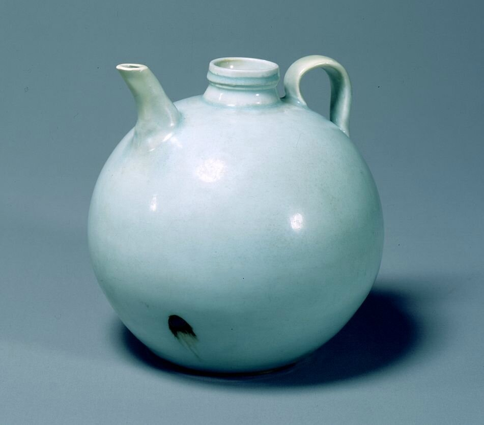 White porcelain ewer, Southern Song Dynasty, 12th - 13th century