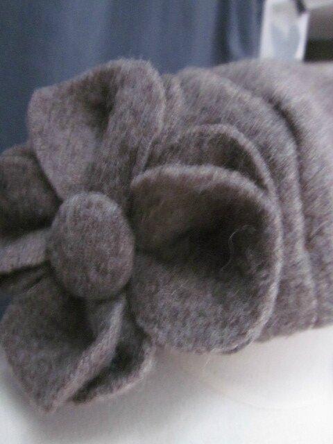 Chapeau AGATHE en laine bouillie taupe avec fleur - Doublure de LIBERTY véritable automne - taille 57 (3)
