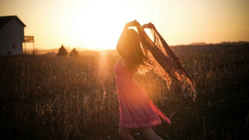 Girl-Nature-Sunset-Wallpaper-1280x720