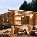 2009 08 10 Le fustier Frédéric Monteil qui construit sa propre maison (2)