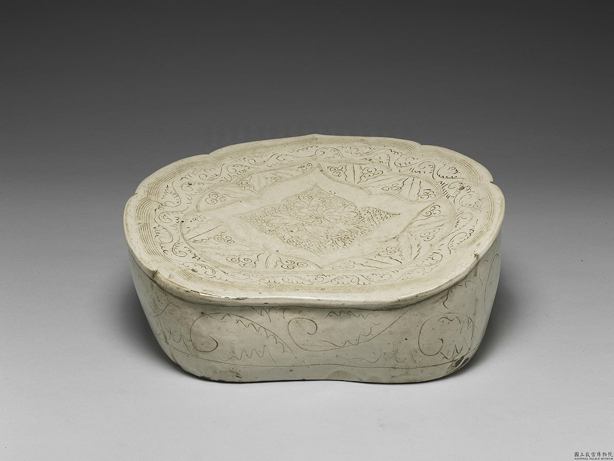 Pillow with incised floral pattern in white glaze, Ding ware type, Song -Jin Dynasty (11th-12th century)