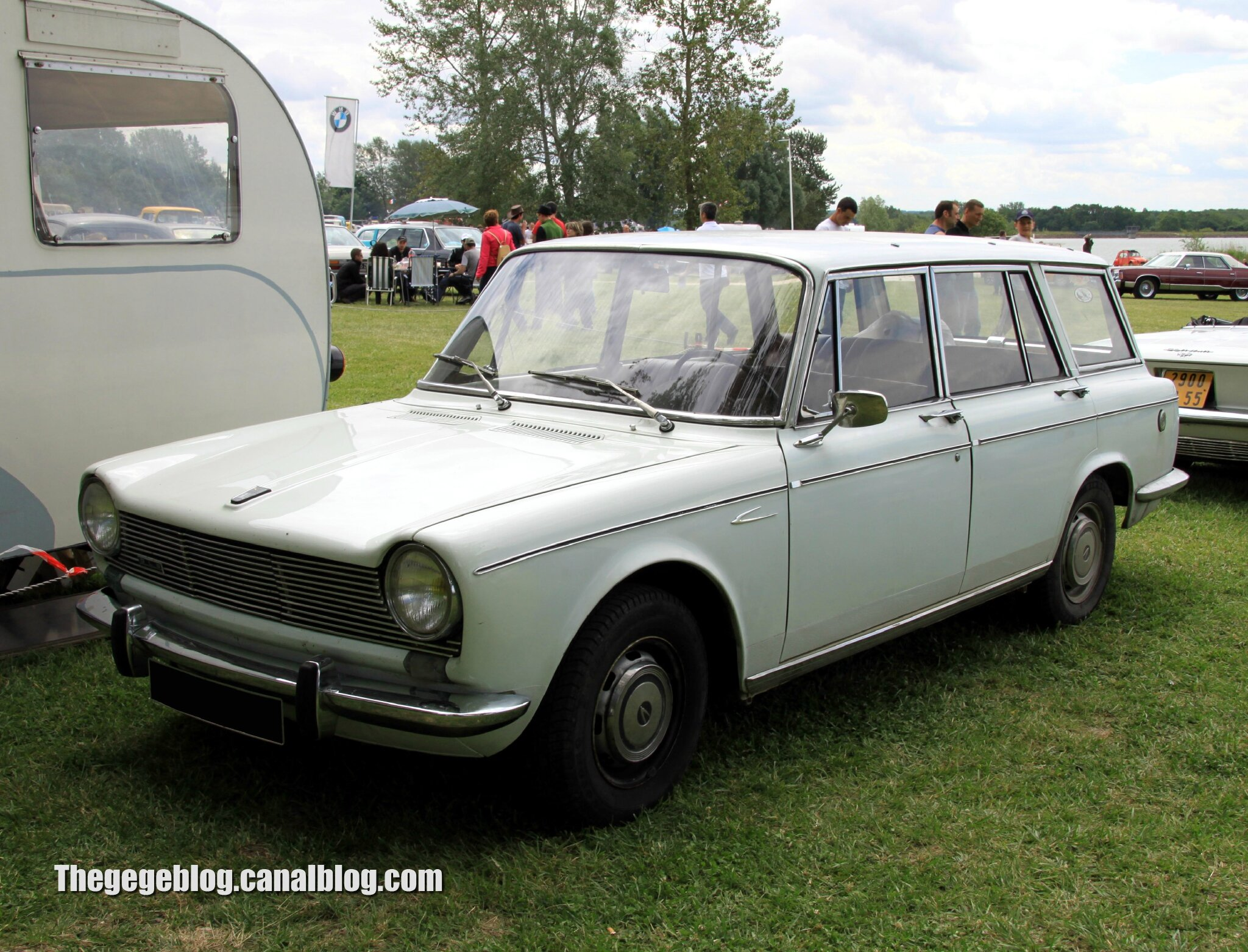 Simca 1500 break (Retro Meus Auto Madine 2012) 01
