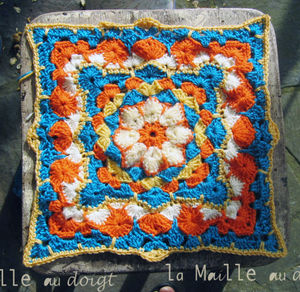 african_flower_in_progres_square_5