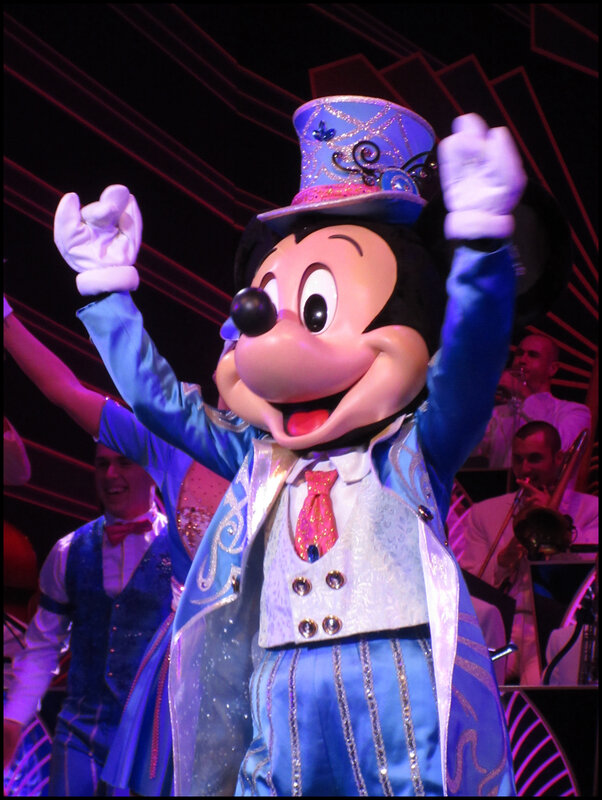 Mickey Christmas Big Band (27)