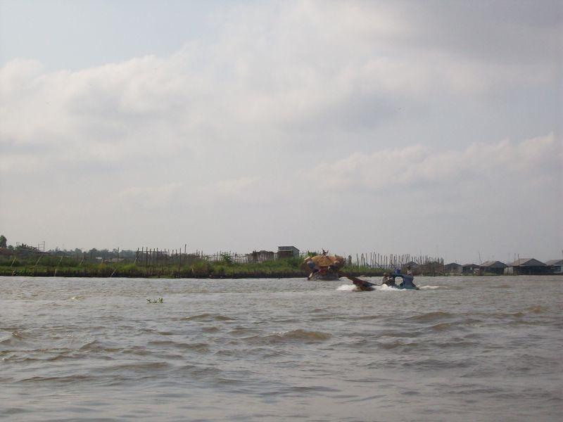 Vers le marche flottant