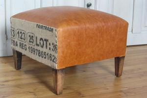 footstool_en_cuir_tapissier___Carnac