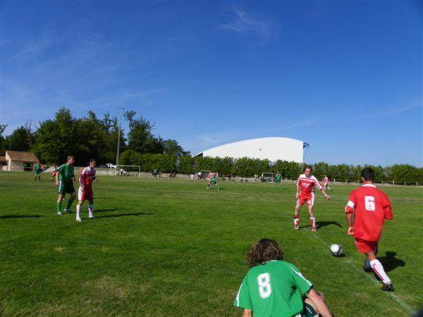 Résultat du duel : le 8 vert à terre et Sylvain avec la balle