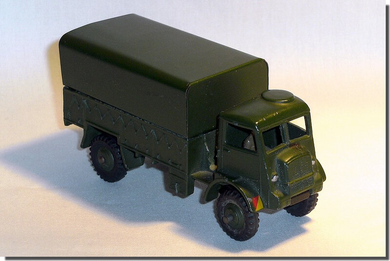 Dinky Toys 623 Army Wagon A 1