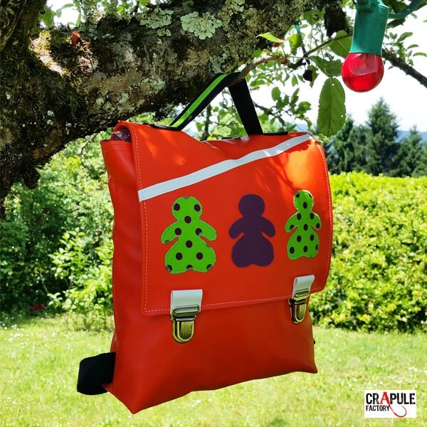 Cartable maternelle /sac à dos /sacoche original pop orange rabat applique poupée vert pois violet fermoir clip Original et beau - fait main - mini série made in france **idéal idée de cadeau - COLLECTION :