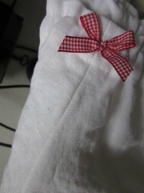 Culotte BIANCA en lin cloqué blanc - noeud de vichy rouge (5)