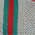 torchon ancien basque, toile métis écrue à chevrons, liteaux verts et rouges, 4€ l'unité + port contacter l'auteur pour commander