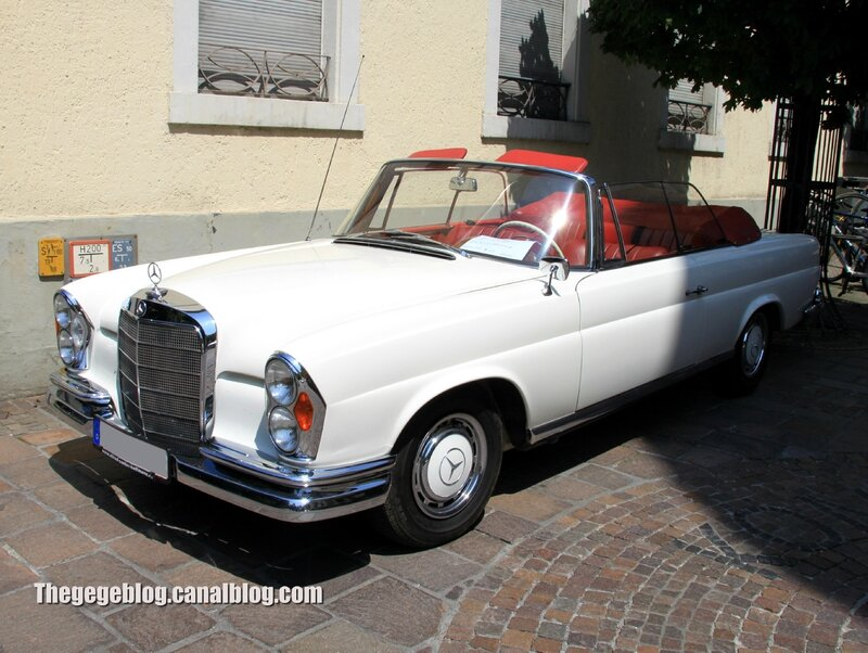 Mercedes 220 SE cabriolet de 1963 (37ème Internationales Oldtimer Meeting de Baden-Baden) 01