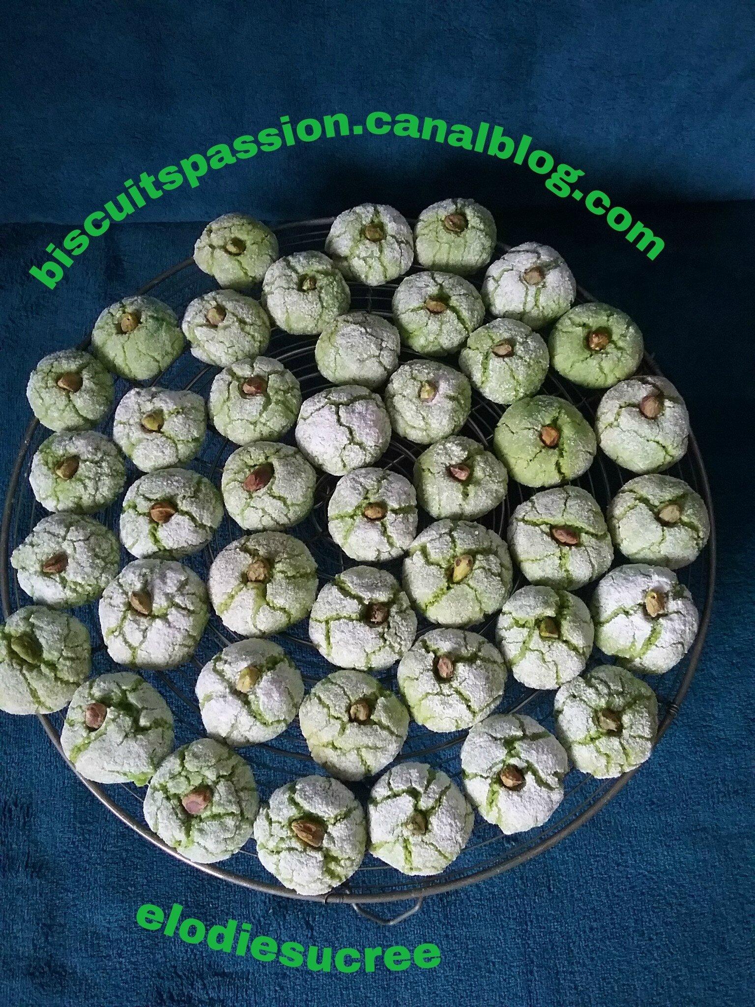 Amaretti à la pâte de pistaches 045