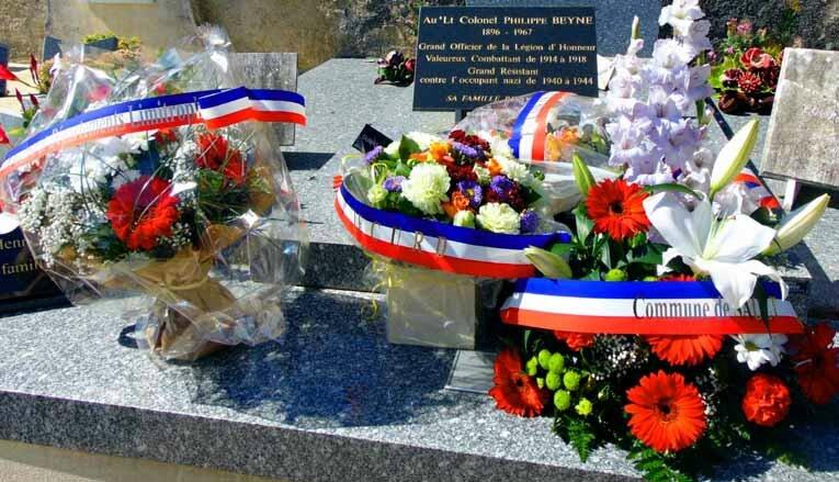 Le cimetière, Sault, dimanche 30 août 2015