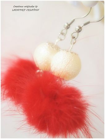 bo pompon rouge plume