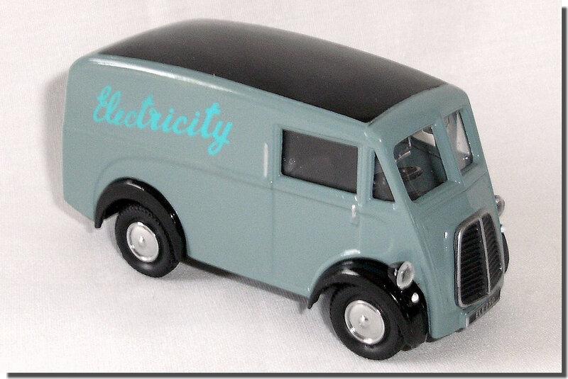 Corgi Morris J Van 09 Electricity 01