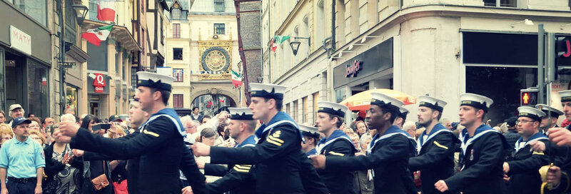 slide-parade-des-marins-2000x679