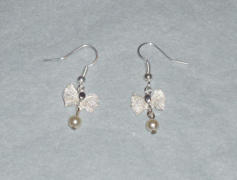 Boucles d'oreilles 'noeud et perle'