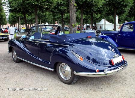 Bmw_501_V8_cabriolet_Baur_de_1955__9_me_Classic_Gala_de_Schwetzingen_2011__02