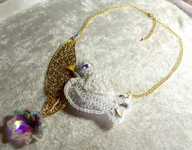 Collier Blanche Colombe 3