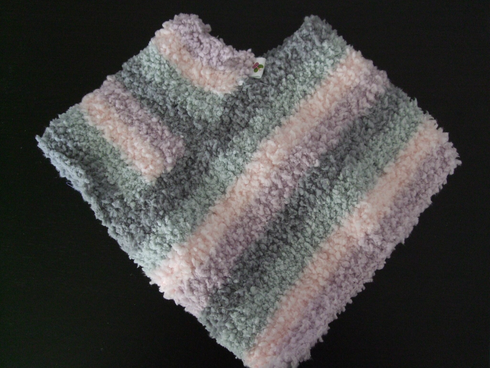 Modèle tricot poncho bébé gratuit - kop cabiste 81290f1e600