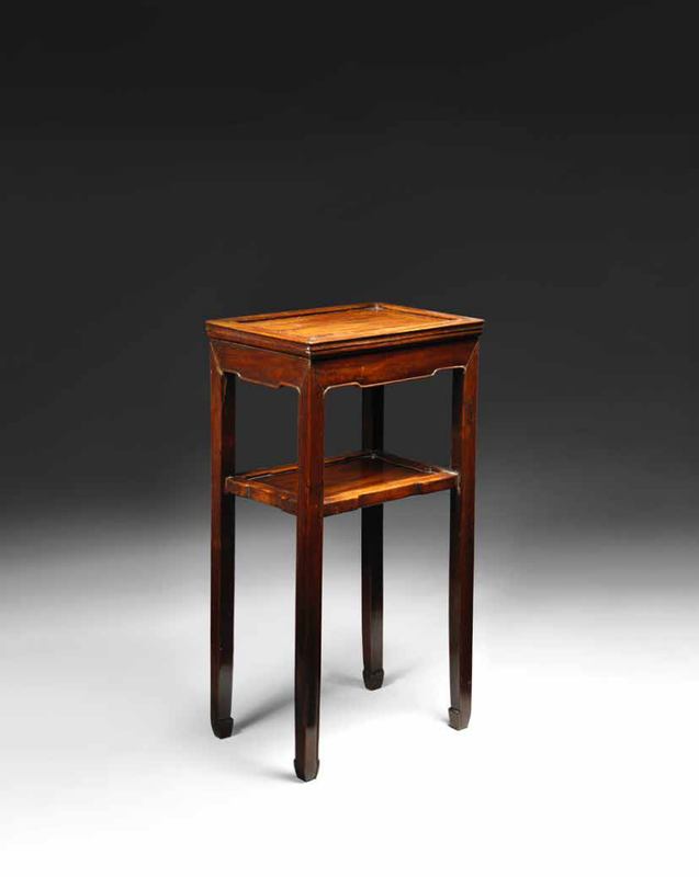 A small huanghuali rectangular side table, 18th century