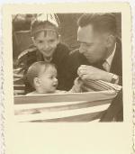papa, mon frère et bibi.
