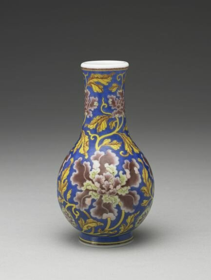 Glass vase with design of peony blossoms, by The Imperial Workshop, Beijing