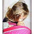 IMG_4719-owly-mary-du-pole-nord-oreiller-coussin-lit-poupee-doudou-jeu-jouet-enfant-tissu-fille-garcon-mixte-histoire-pyjama
