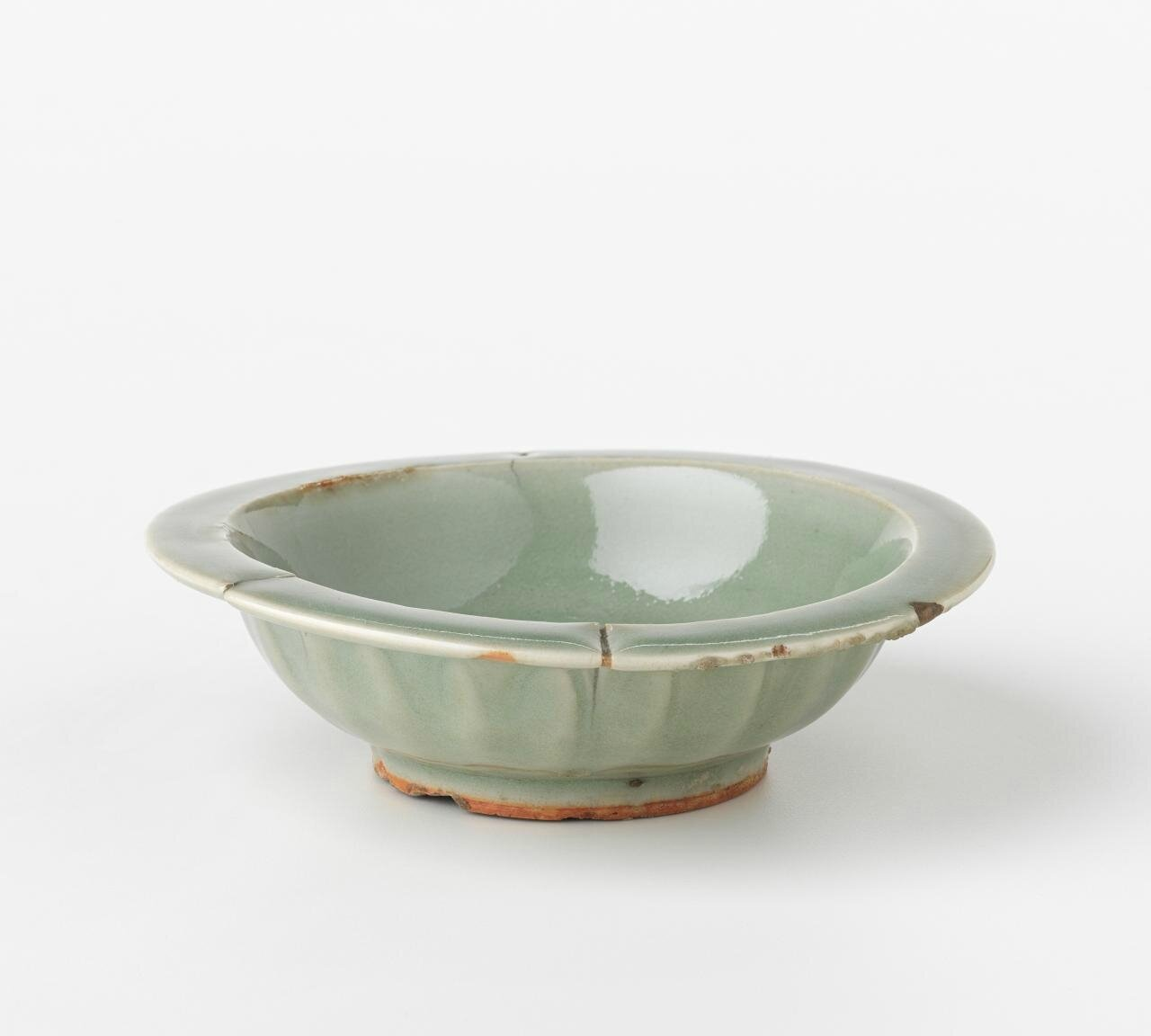 Dish, Song dynasty, 960 CE-1279, Longquan ware