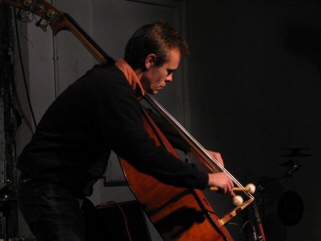 09-11-08_09_Daniel Monforte - Guillotine (Montreuil)
